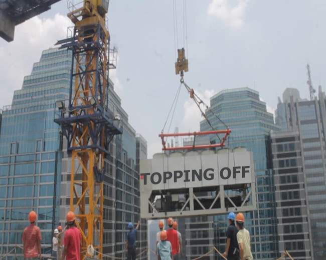 topping off proyek gedung