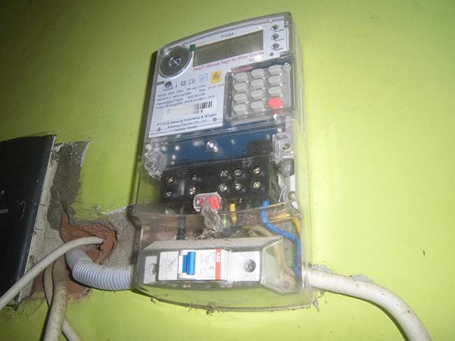 meteran listrik PLN